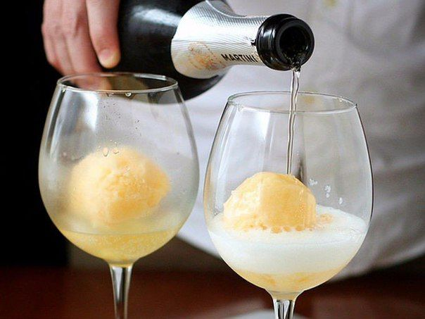Коктейли на основе шампанского [названия и рецепты приготовления]