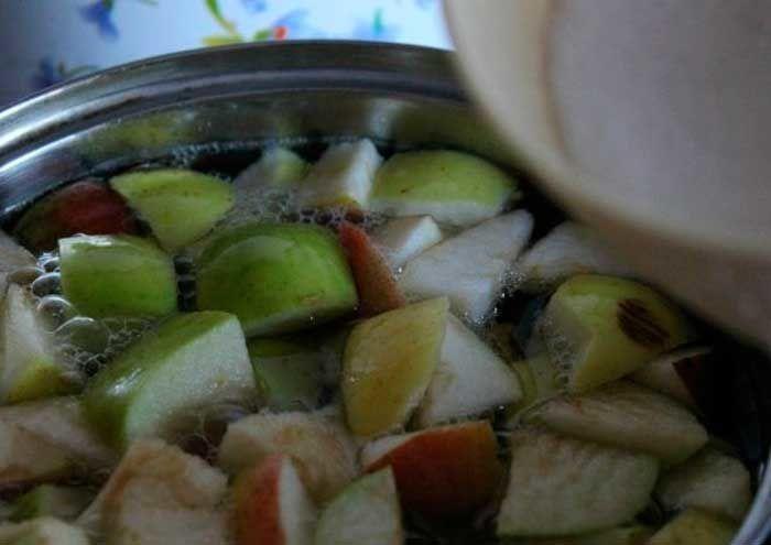 Компот из яблок и киви