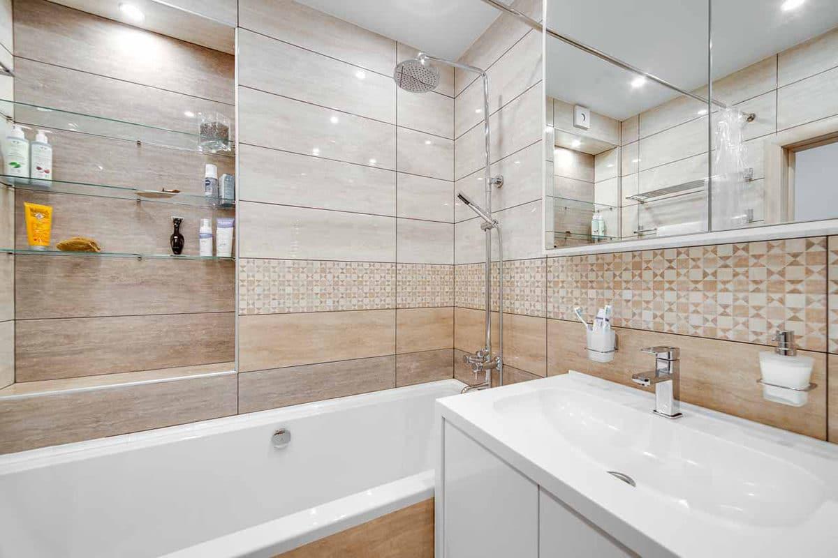 Лучший дизайн плитки для маленькой ванной 4