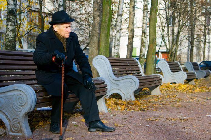 одинокой старушке нужен член