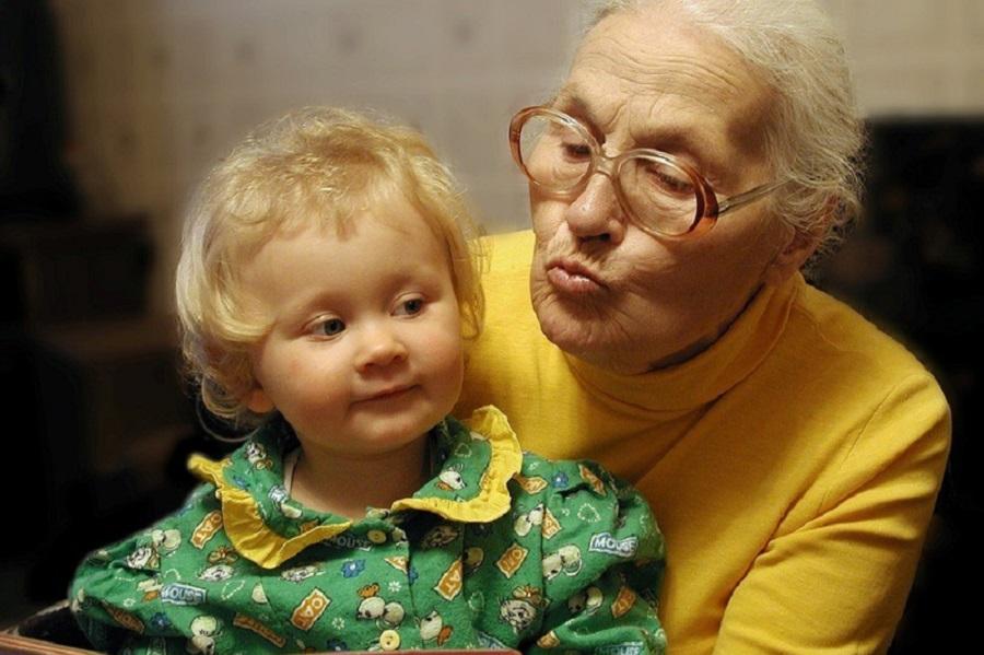 Бабушка л юбит маленький член
