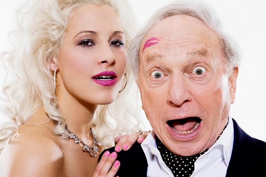 С любовником старая