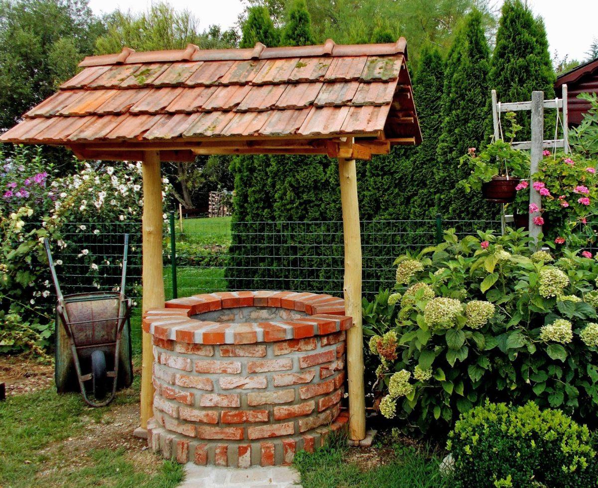 Декорирование скважины на даче