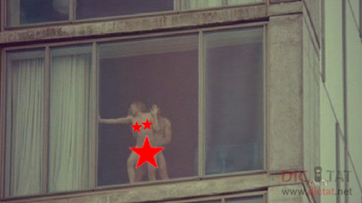что денисом парни подглядели в окно время эрекции мочевые