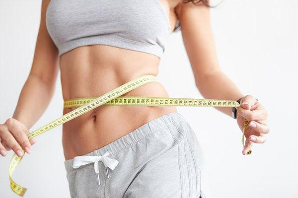 Избавьтесь от свисающих «ушек» по бокам быстро и навсегда: диета.