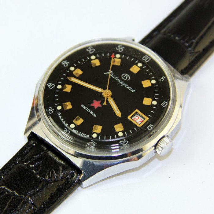 Скелетон часы с прозрачным корпусом, циферблатом, задней крышкой и полностью видимым глазу механизмом.