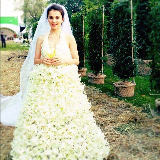 b0d1f89923d73fb 7 самых нелепых и безвкусных свадебных платьев российских звезд