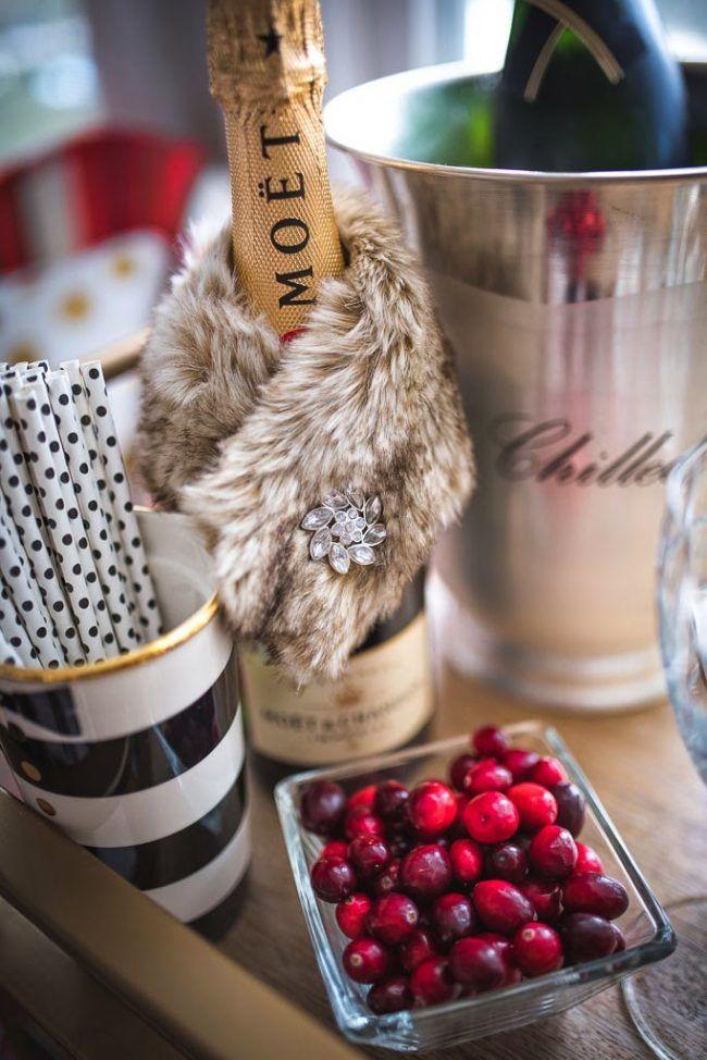 Новогоднее оформление шампанского