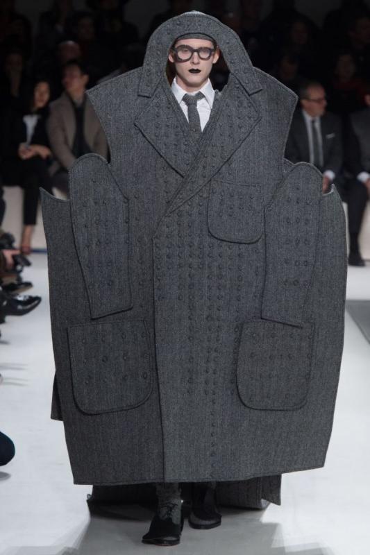8c8d713d1 Похоже, все дизайнеры мужской одежды вдруг решили бросить вызов миру моды,  что «одевать» сильную половину – это вовсе не скучно, и помимо брюк, ...