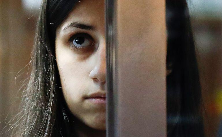 Страшно быть рабыней своего отца. Но еще страшнее - получить за это 20 лет тюрьмы
