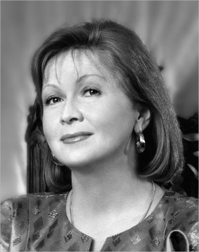 одном таком фото известных советских и российских актрис такие, какие есть