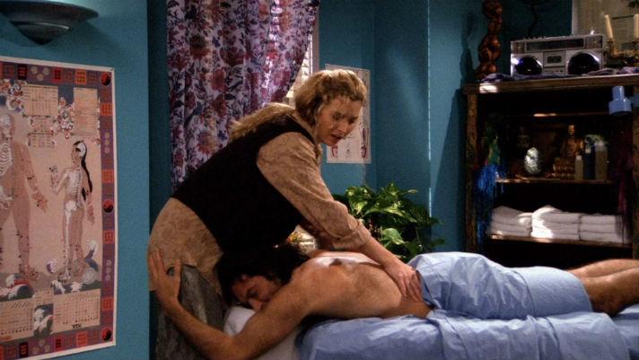Жена дает массажисту