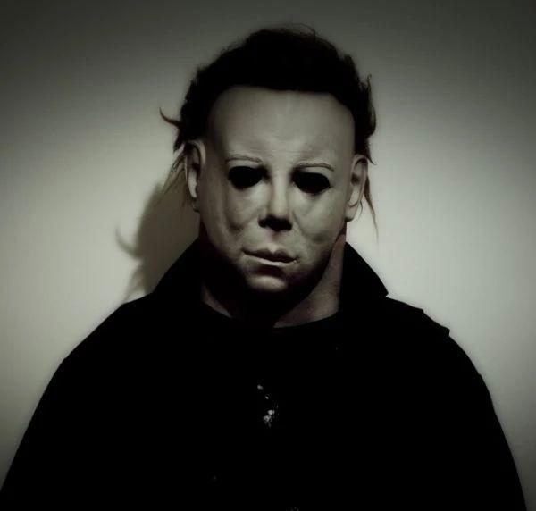 Убийства на Хэллоуин – это 3dac7594cc86d