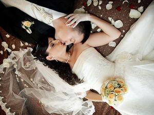 Реальная первая брачная ночь русское, виртуозы в позе наездницы