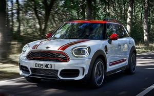 Mini Clubman JCW и Mini Countryman JCW 2020 – самые мощные Мини
