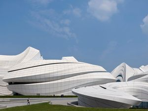 Дизайн Центра культуры и искусств Meixihu International Culture & Arts Centre от Zaha Hadid Architec