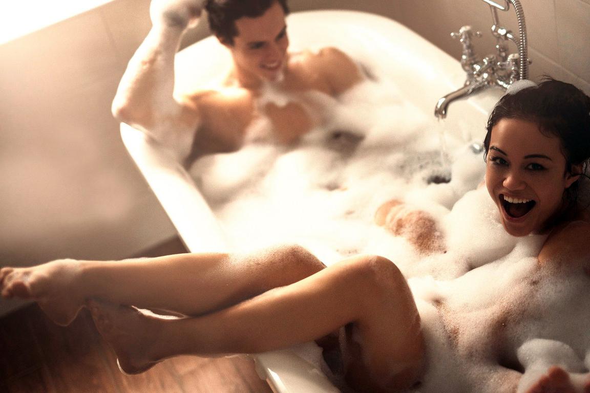 Молодожены эро фото в ванной, непастоновачное избиение девак и по жопе розгами