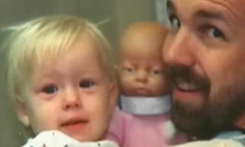 Женщина была потрясена, узнав, что дочь, которую она оставила более 20 лет назад, стала известной.