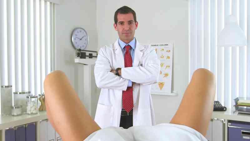 Пришла к гинекологу а ее там фото 644-630