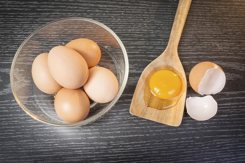 С какими продуктами нельзя есть яйца