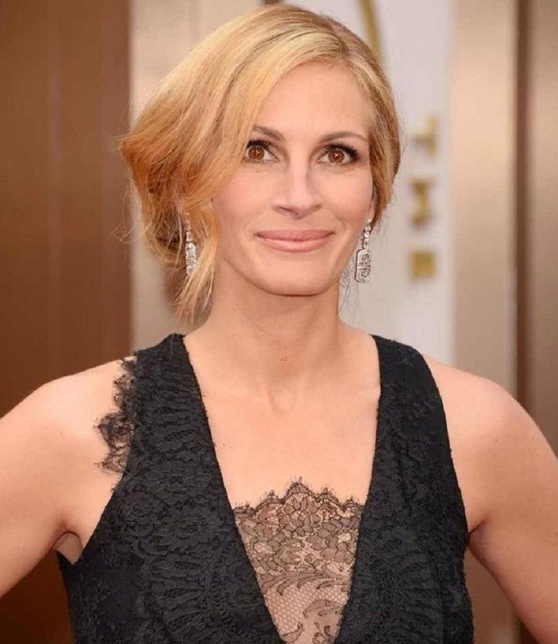 49-летняя Джулия признана самой красивой женщиной планеты во второй раз!