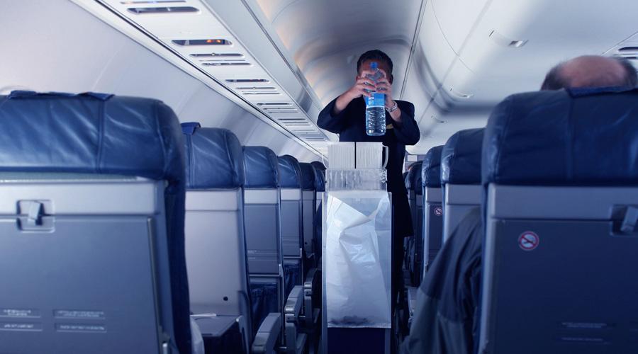 Секреты, которые стюардессы никому не рассказывают