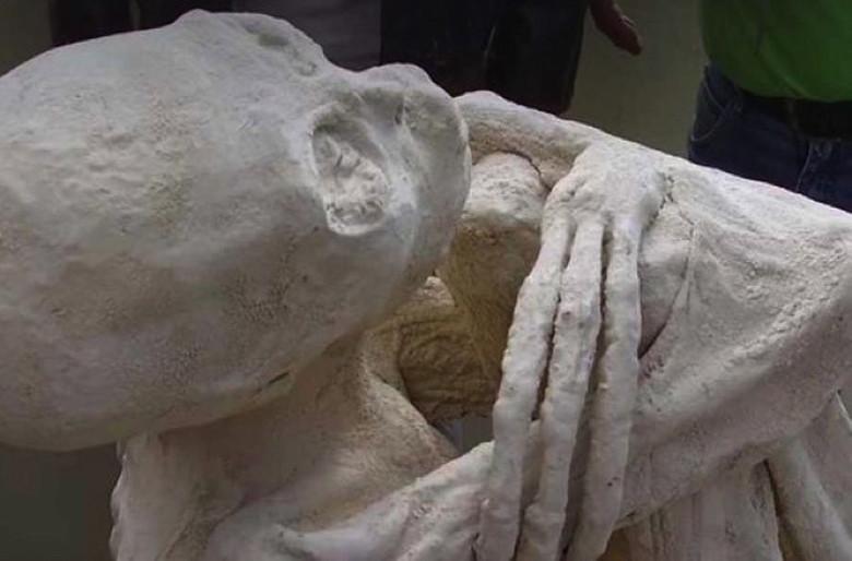 В Перу нашли странную мумию похожую на инопланетное существо